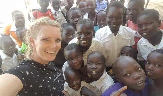 Doel van haar bezoek: verbetering van het onderwijs in de ontwikkelingslanden.