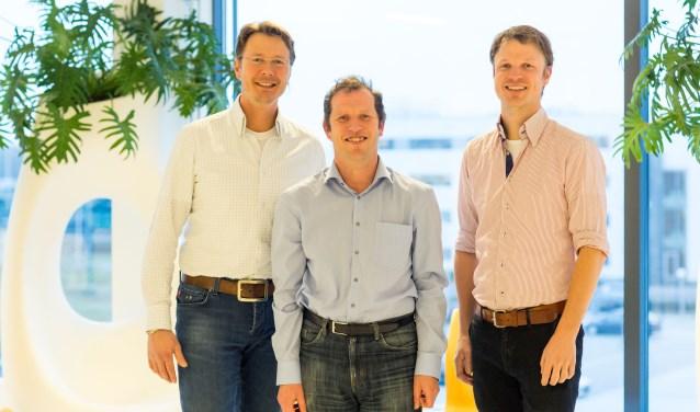 De obesitaschirurgen van Máxima Medisch Centrum zijn trots op de erkenning. Vlnr: F. van Dielen, A. Luijten en W. Leclercq. FOTO: MMC.