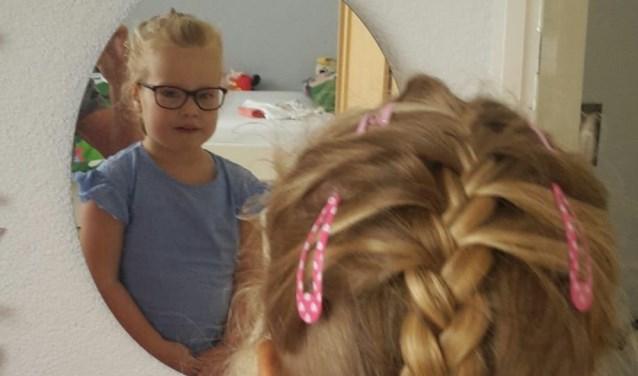 Lara Sprangers uit Waalwijk is de Jarige van de Week.