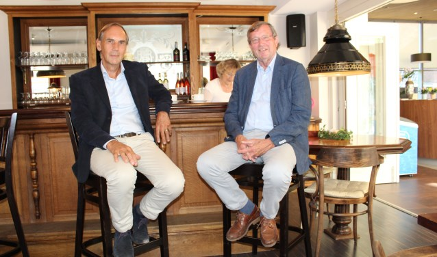 Gespreksleiders Chris en Jan in het 'Onderonsje' . www.alzheimer-nederland.nl