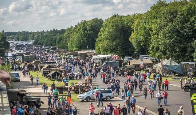 Organisator 402 Automotive ziet Vliegveld Twenthe als ideale locatie voor een legerevenement.
