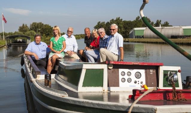 Vlnr: Herman Weyers, Mechteld Blom, Henk Schouten, Hen Tetteroo, Sandra van Leeuwen, Leo Quack en Martin van Meurs.