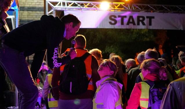 Bas Nijhuis loste vorig jaar het startschot van de 31e editie van de Kennedymars Haaksbergen. Foto: Nico Asbroek