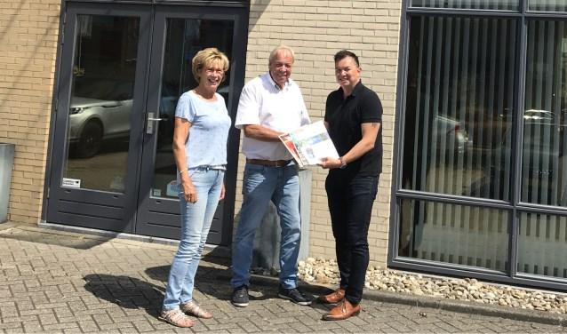 V.l.n.r.: Bep Verkerk, Wim Verkerk en Frankgen Tuhumena.