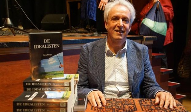 Bergenaar Henk Witjes is één van de schrijvers die zich presenteren tijdens de Krabbenfoor.