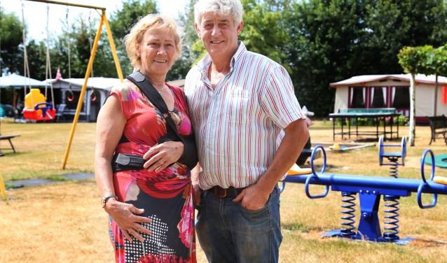 Wilma en Arie van Melis begonnen elf jaar geleden met hun camping in Escharen. (foto: Marco van den Broek)