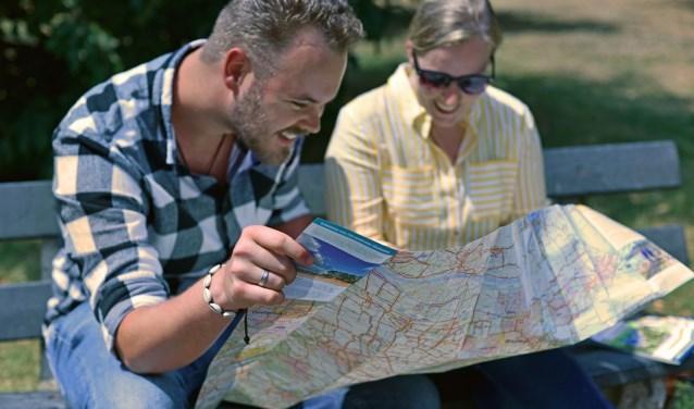 8routekaarten met samen circa 10.000 kilometer aan wandelpaden op een schaal van 1 : 40.000. FOTO: Routebureau Brabant.