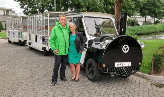 Anne-Marie Ponsen en Jan Prins uit Dordrecht hadden de droom om op een toeristentreintje te rijden. (Foto: Privé)