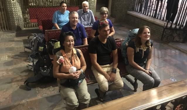 Marcella, links onderaan, liep samen met zes andere pelgrims naar Santiago de Compostela