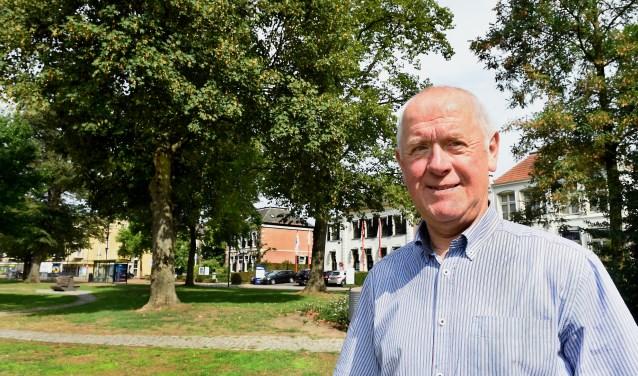 Huub Veenes is een van de organisatoren van het koningschieten tijdens het Stadsfeest. (foto: Roel Kleinpenning)