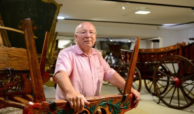 Arie van de Koppel kan over de geschiedenis en volkscultuur van de Gelderse boerenwagens  smakelijk vertellen. (Tekst en foto's:  Cees Hoogteyling)