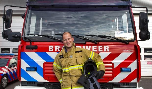 Robert Mol is bij de vrijwillige brandweer en oefent wekelijks met zijn team allerlei situaties. (Foto: Jeroen Verbueken / fotopersbureau Busink)