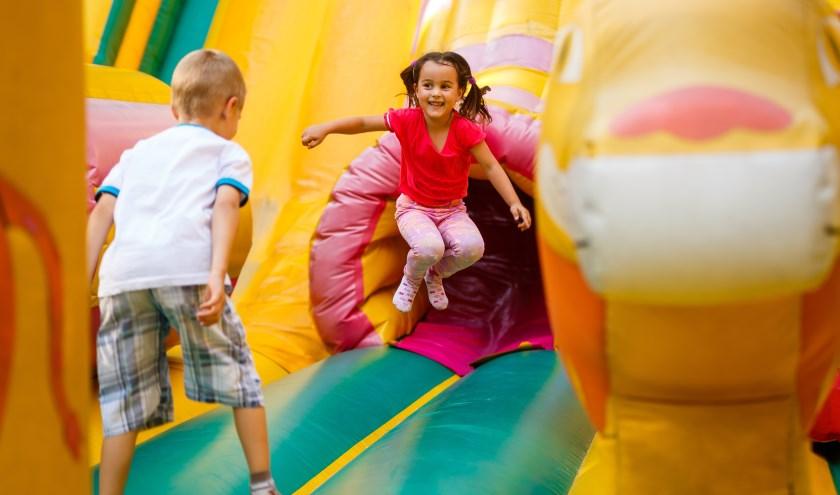 In het gekoelde pop-up pretpark van het Omnium Goes kunnen kinderen t/m 24 augustus terecht. Woensdag 8 augustus is het gratis. FOTO: PR