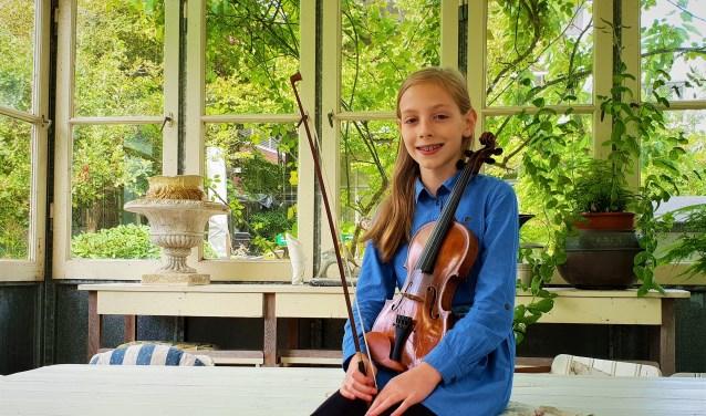 Zohra Jongerius won als een van de jongste deelnemers de HJSO solistenprijs op het Peter de Grote Festival. Foto: Robbert Roos