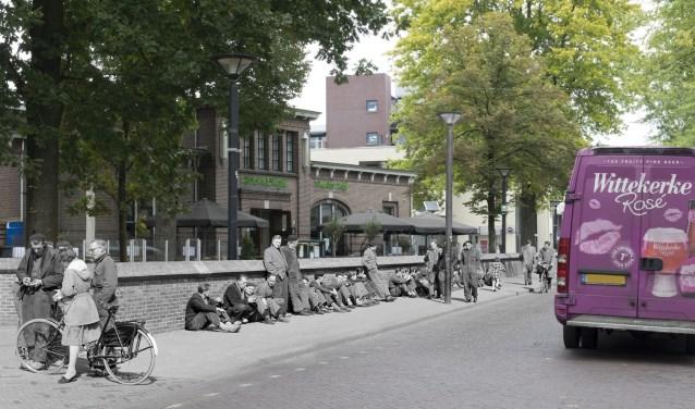 Kruisstraat, ter hoogte van de Groene Engel. Oude foto: collectie Stadsarchief Oss, nieuwe foto: Frédèrique Niewöhner