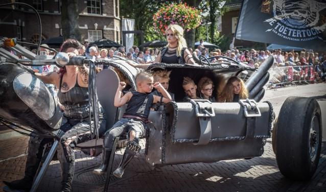 Elk jaar trekt de Brabantse Dag in Heeze duizenden bezoekers. Dit jaar is Helmond een van de onderwerpen.