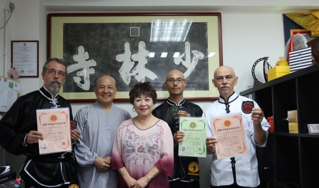 Sergio Queizos (Brazil), Monnik (China) Xi de Shi, Lily Lau (USA), Levi Maulany en Wim Maulany (Holland)