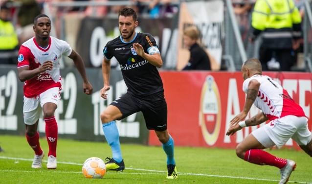 Bram van Polen in actie tijdens de verloren wedstrijd tegen FC Utrecht.