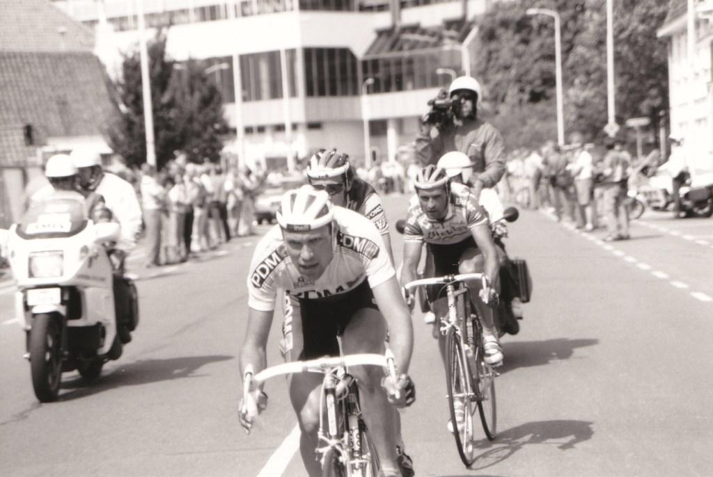 Meesterknecht en tempobeul Gert Jakobs nam vijf keer deel aan de Tour de France met de PDM-ploeg en reed die de ronde vier keer uit.