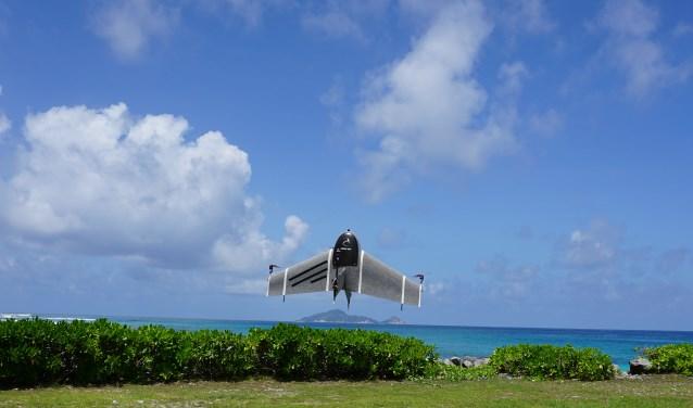 Hoogtepunt wordt de spiksplinter nieuwe verschijning van het fenomeen drones.