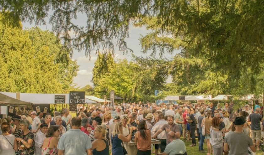 Acht bierbrouwerijen uit de regio presenteren zich zondag op het nieuwe festivalterrein aan de Molenstraat 35-45 in Cuijk. Dit jaar zijn er twee nieuwe deelnemers: Mannenpap uit Nijmegen en Blauwe Knoop uit Mill.