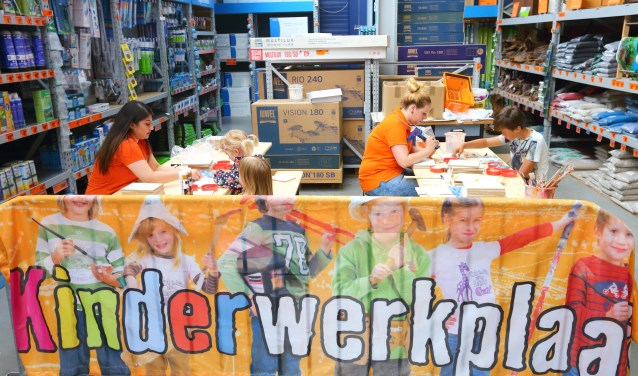 Bij Hornbach is er 12 augustus weer een kinderwerkplaats. Dit keer kunnen ze een knikkerbaan maken.