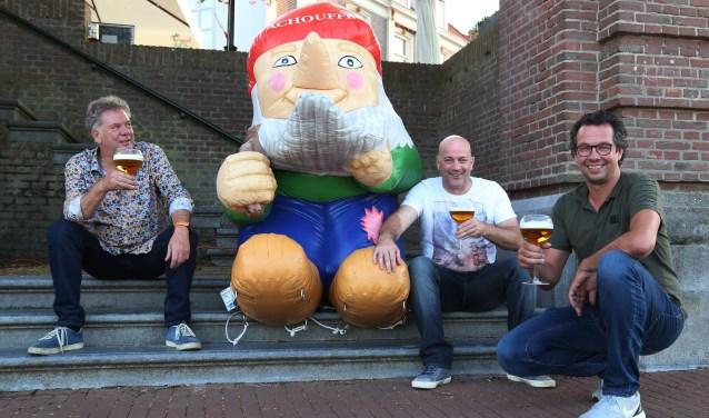 George van Kuppeveld en zijn hulptroepen Carlo Mol en Robert Jansen zijn klaar voor het vierde Graafse bierfestival.
