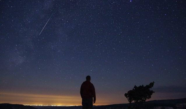 Na de zeer druk bezochte maansverduistering opnieuw een hoogtepunt bij Cosmos: de Perseïden. Foto: Mike Hankey.