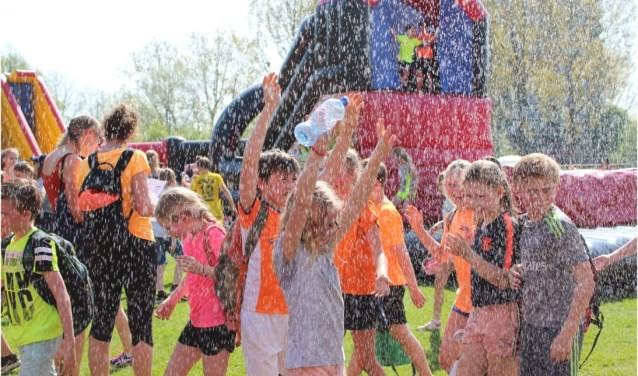 in de laatste week van de zomervakantie kunnen de kinderen zich weer uit komen leven bij X-kids. Op 15 augustus kan dat in de wijken en op 16 augustus bij de Asterdplas. Met deze zomer vooral veel 'waterpret'.