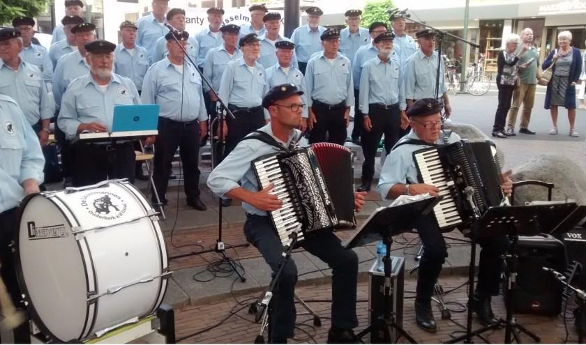 De IJsselmannen spelen onder de tent (Foto: PR)