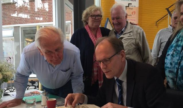 Taxateur Arie Molendijk is zaterdag 1 september in Zaltbommel voor een taxatiemiddag van zeldzame boeken. Schroom niet om langs te komen voor een taxatie.