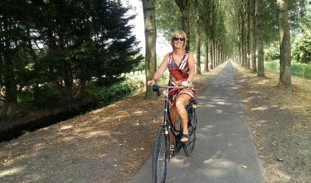 Zijdewetering-Noord (achter de sportvelden): heerlijk om te wandelen of fietsen. (Foto: Karin Doornbos)