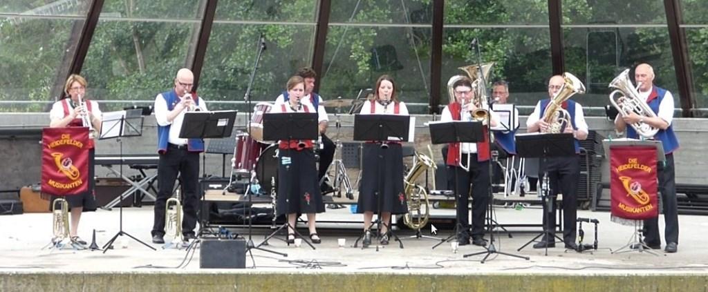 Die Heidefelder Musikanten staan zondag op het Caratpodium.