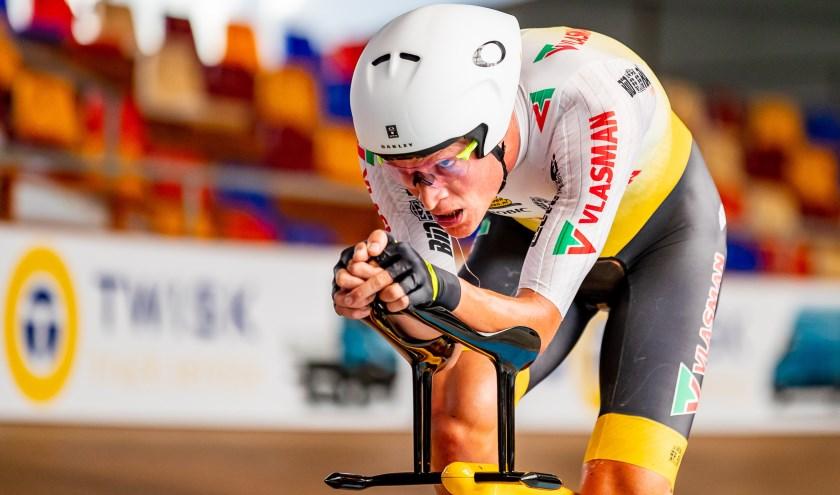 Dion Beukeboom, een gerespecteerde baanrenner, probeert op 22 augustus het  werelduurrecord wielrennen te verbreken.