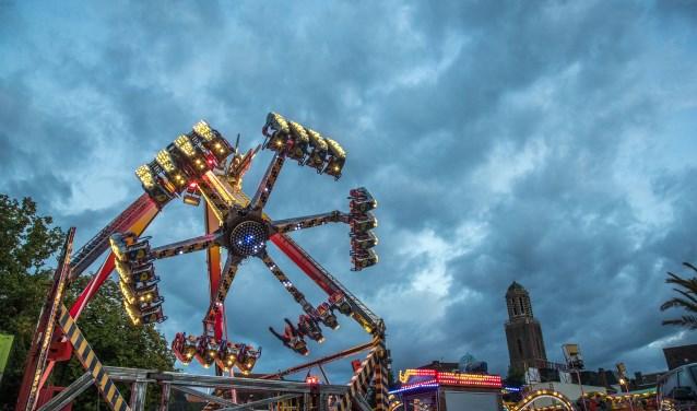 De Zwolse Zomerkermis wordt van vrijdag 10 tot en met zondag 19 augustus gehouden op het Rodetorenplein, de Melkmarkt, de Grote Markt, de Luttekestraat en het Grote Kerkplein.(foto: archief Frans Paalman)