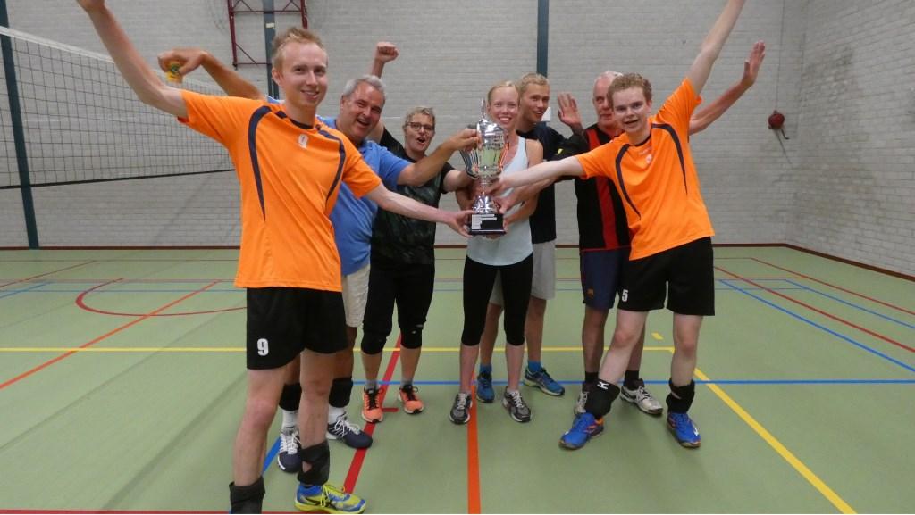 Winnaar Volleybal: team Groenestraat! Foto: Nelleke Brenkman © Persgroep