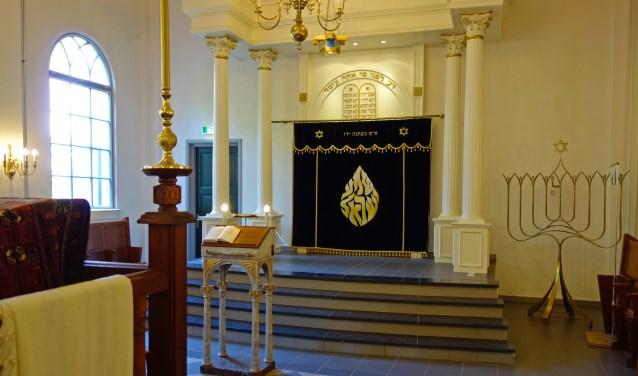 Tijdens de rondleiding 'Langs Kapel, Kerk en Synagoge' breng je ook een bezoek aan de synagoge in de Schoolstraat. FOTO: JAN KOREBRITS