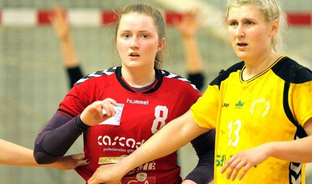 De Litouwse International Ugné Slavenaite (met rood shirt) heeft zich aangesloten bij selectie Borhave. Eigen foto