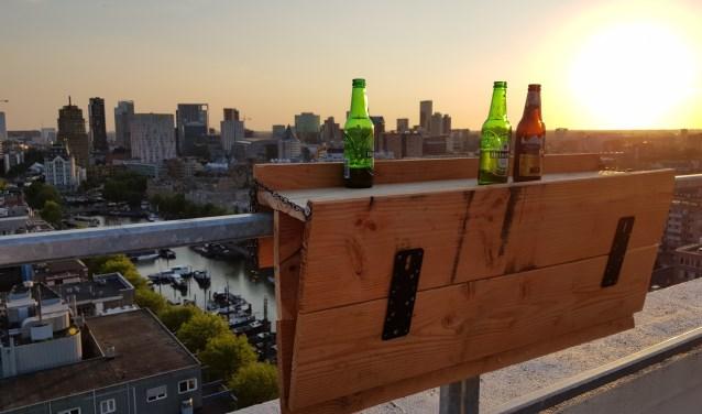 De Opklappert: De Rotterdamse balontafel en -bar.