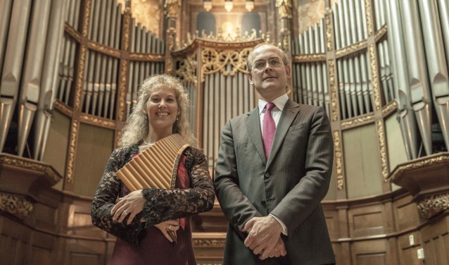Noortje van Middelkoop (panfluit) en Harm Hoeve (orgel) treden op 22 september op in de Dorpskerk. Foto: Jaco Hoeve.