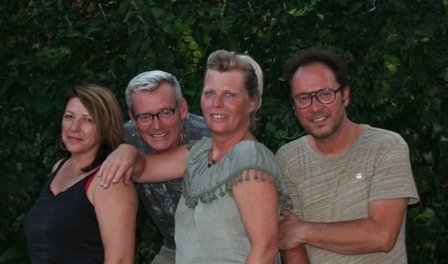 De organisatie van de kunstmarkt: Yvonne Korshuize, Peter Hannink, Jolanda Bouwmeesters en Erik Loman. Eigen foto.