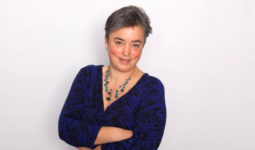 Bianca Tonen is paramedisch natuurgeneeskundig therapeut. Zij masseert honderd personen op vrijdag 7 en zaterdag 8 september in The Cee Spot in Enschede.