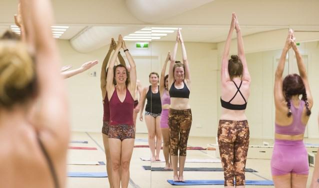 Een Bikram yoga les met eigenaar Daniëlle.