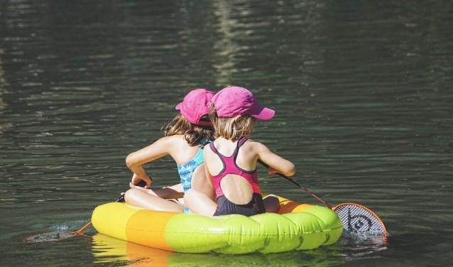 Er kan weer gezwommen worden bij het Lammetjeswiel in Alblasserdam. (Foto: Privé)