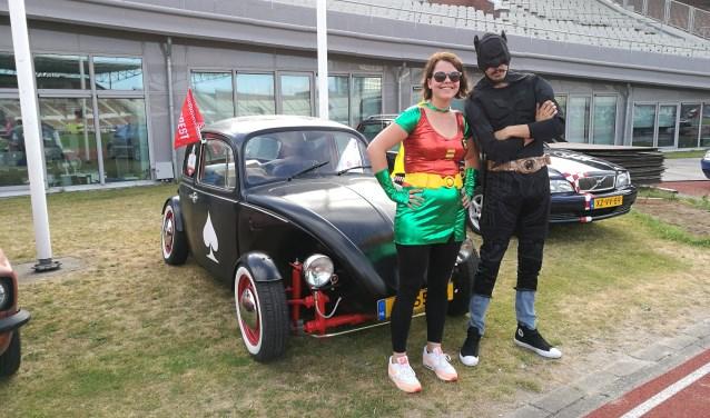 Rafke en haar broer Hjordis verkleed als Batman en Robin. Dat leverde extra punten op. (Foto: eigen foto)