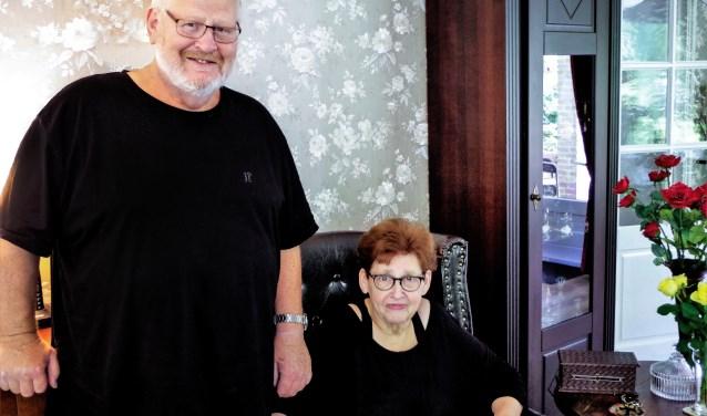 Siem en Gea Gerritsen genieten nu van hun pensioen én van hun kleinkinderen. (Foto: Co Keulstra)