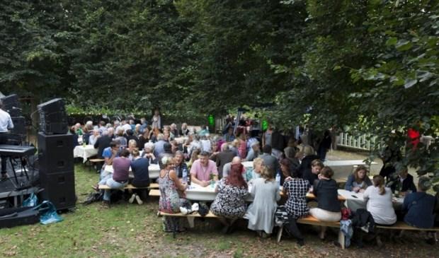 Als gevolg van het succes van voorgaande jaren, organiseert Wereldmuziekfestival Verueño op zaterdagavond 1 september een drie-gangen menu.