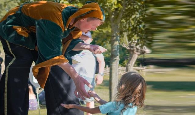 Deze zomer staat de tuin van natuurmuseum Terra Maris volledig in het teken van de middeleeuwen. Rondom dit thema worden verschillende activiteiten georganiseerd. FOTO: TERRA MARIS