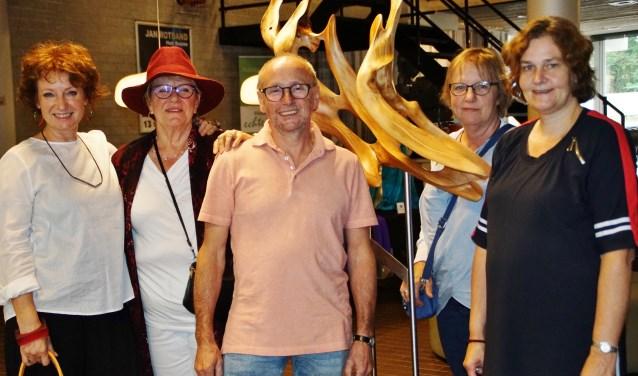 Kunstenaars Carena Kuenen, Ria Lamers, Bep Kremers, Elly Vergeer en Hetty van den Broek exposeren komend weekend nog in De Poorterij.