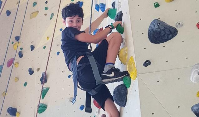 Er was een clinic klimmen bij Mountain Network voor alle kinderen vanaf 8 jaar in samenwerking met Sportstimulering.
